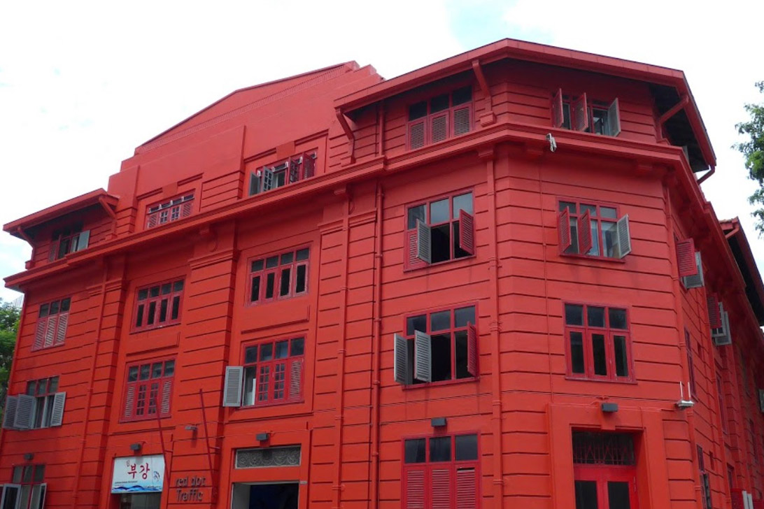 Red Dot Traffice Building_r